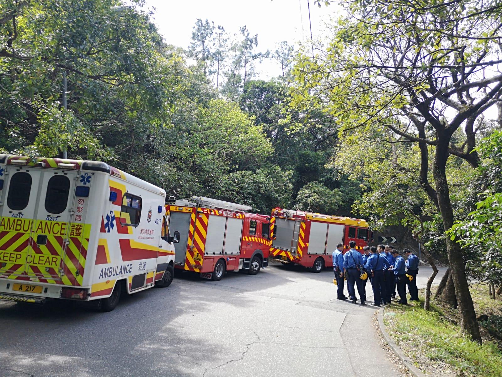 搜救人員繼續搜索25歲行山女子。梁國峰攝