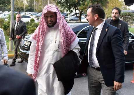 沙特检察总长莫杰布(左)。