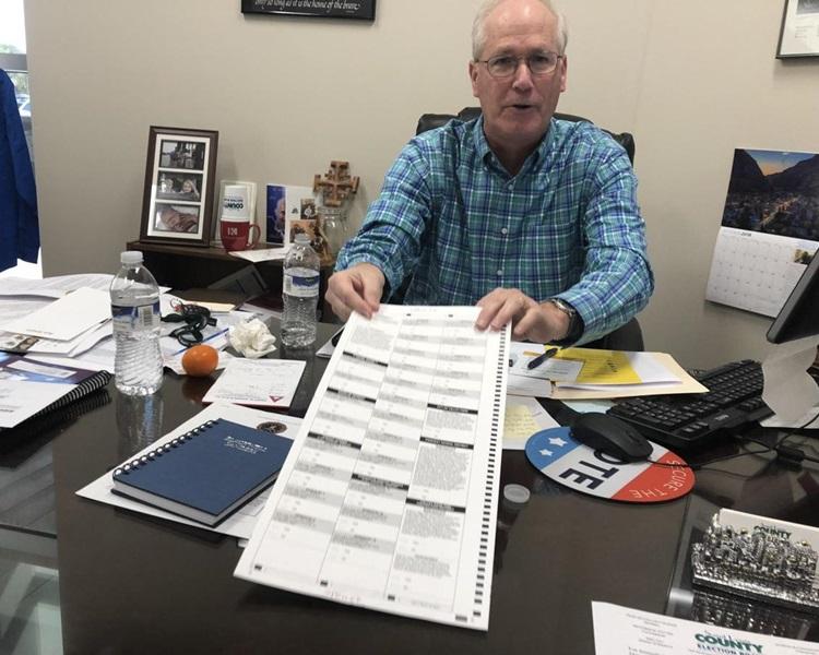 選舉主任斯特里姆表示有關部門正重新發信通知受影響選民。網上圖片