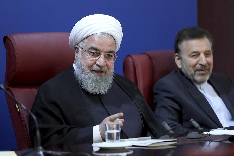 總统魯哈尼表示,伊朗將出售石油,打破美國制裁。美聯社