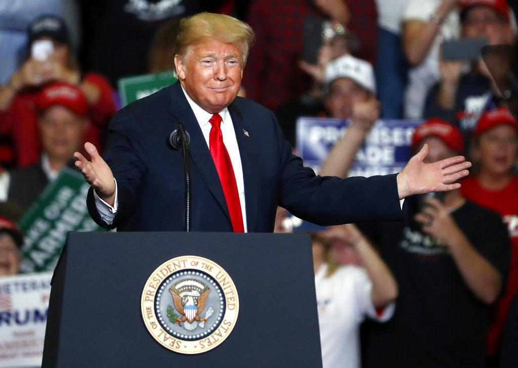 美國總統特朗普的成績表快出爐。AP圖片