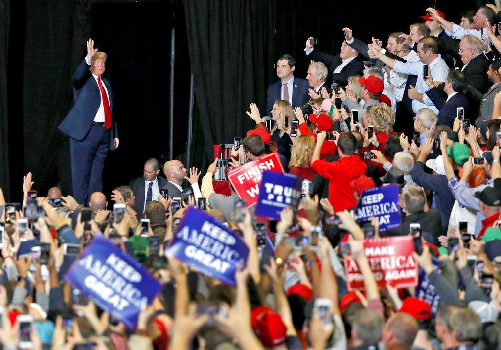 大批支持者力撐總統特朗普。AP圖片