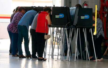 美國今天舉行中期選舉。