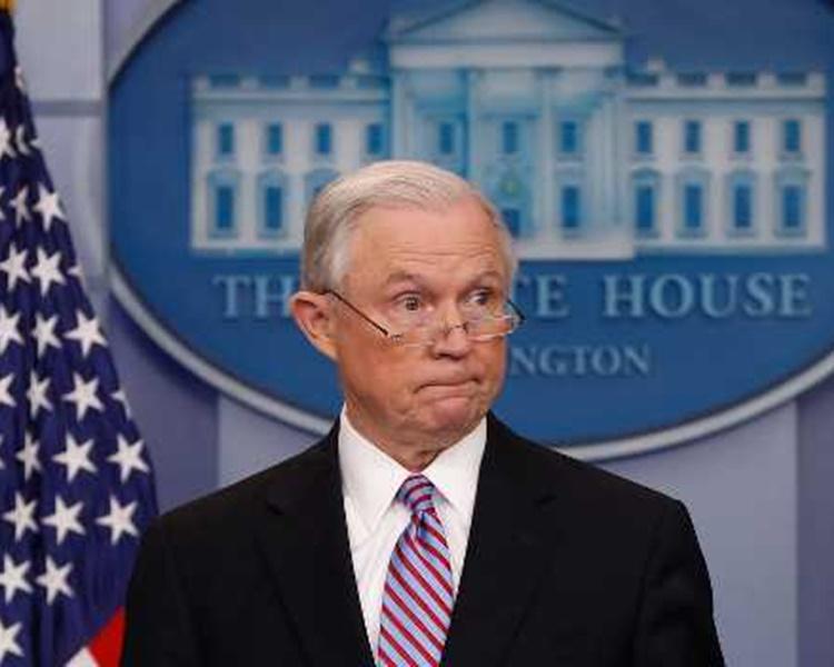 美國司法部長塞申斯被開除。AP