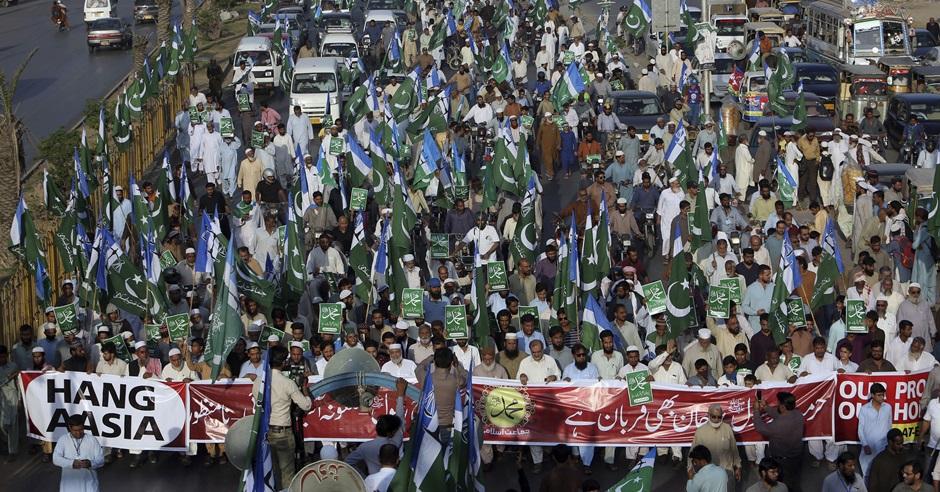 法院的判決觸發當地伊斯蘭教組織上街示威。AP
