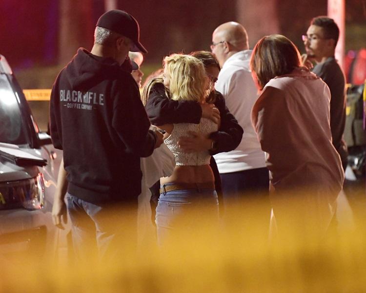 受害人互相安撫。AP
