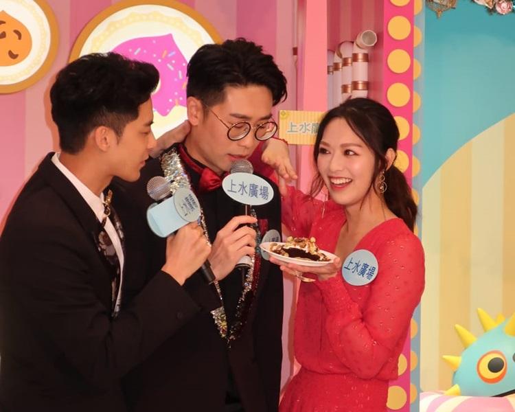 馮盈盈、朱晨麗、余德丞、陸浩明出席聖誕活動。