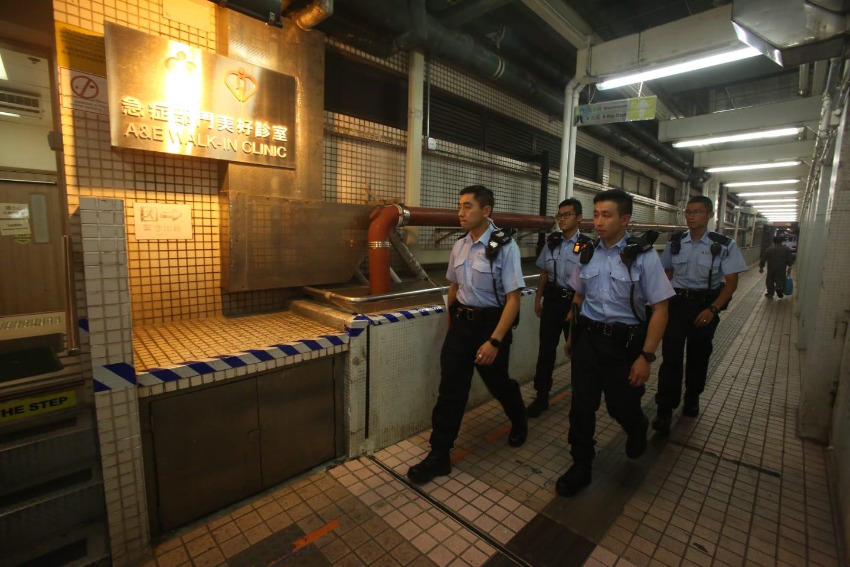 多名警員到場調查。