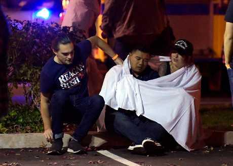 加州洛杉磯郊區一間酒吧早前發生槍擊案,造成13人喪命。AP