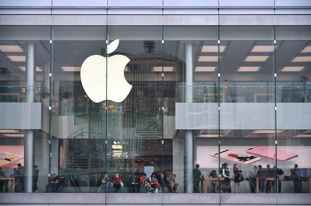2名學生因抗議蘋果工廠剝削,被警方短暫拘留。資料圖片