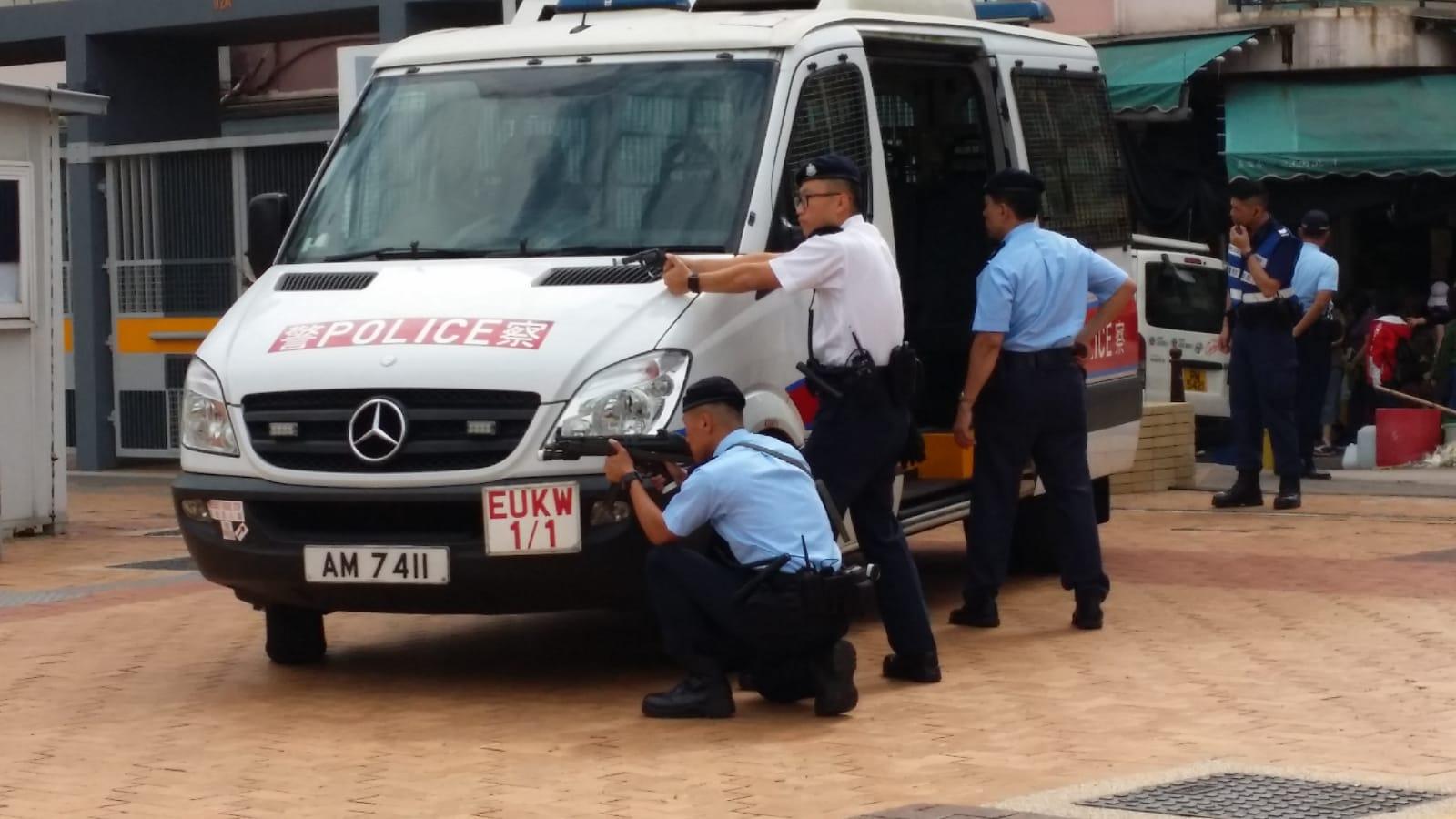 警方在旺角大球場進行「日塔」反恐演習。 蔡楚輝攝