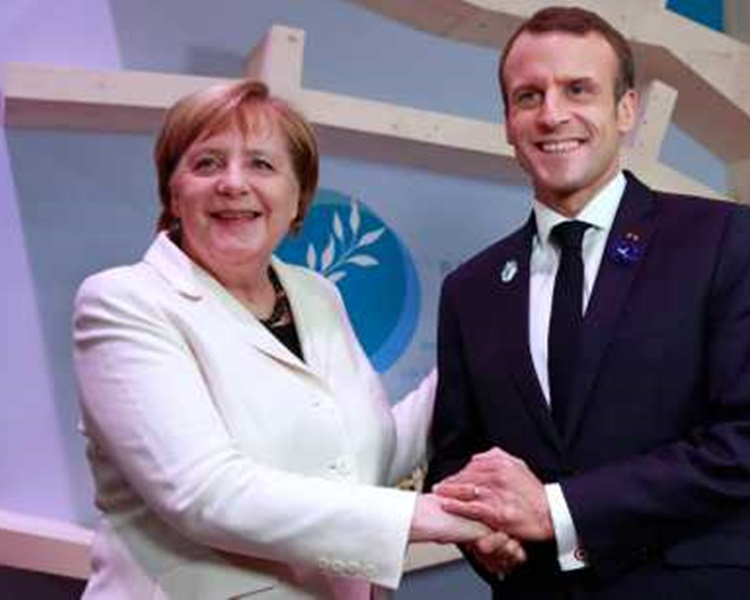 (左起)德国总理默克尔与法国总统马克龙。