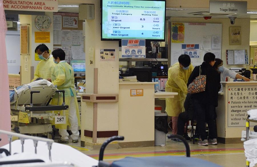醫管局表示,現時臨床部門醫生人手緊絀,工作量亦相當沉重。資料圖片