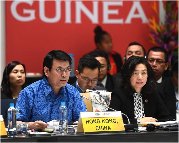 邱騰華(左)指澳洲是香港非常重要的貿易夥伴。