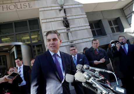 白宫今天已恢复阿科斯达的白宫记者证。