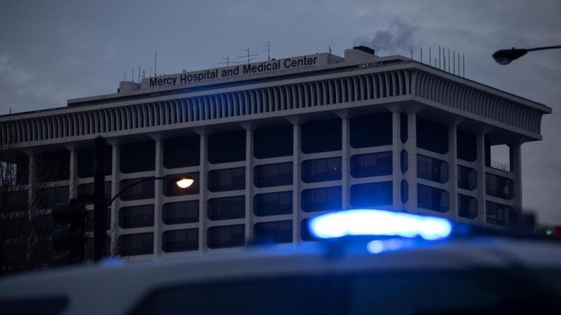 枪击发生于当地时间星期一下午,芝加哥南部一间医院。(网图)