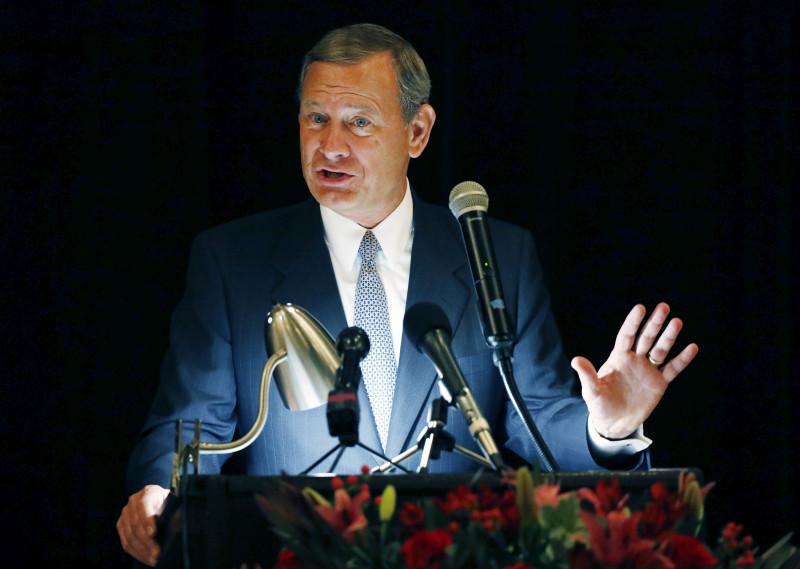 美国首席大法官罗伯茨(John Roberts)罕有发表声明反击特朗普。