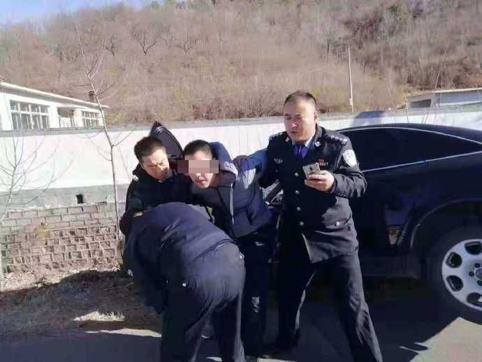 私家車司機被捕。網圖