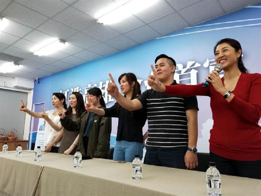 候選人團隊呼籲年輕人與首投族挺身而出。網上團隊