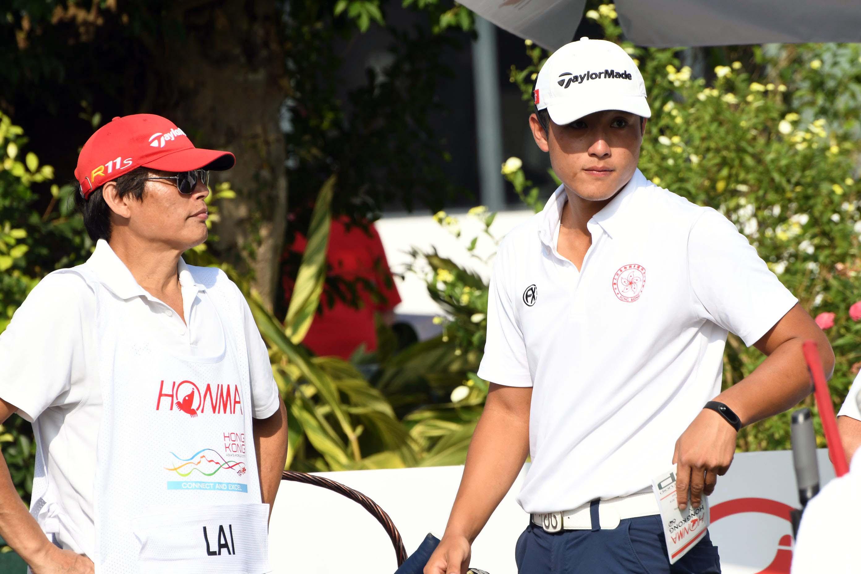 賴家朗(右)指港高球賽令他重拾比賽鬥志。郭晉朗攝