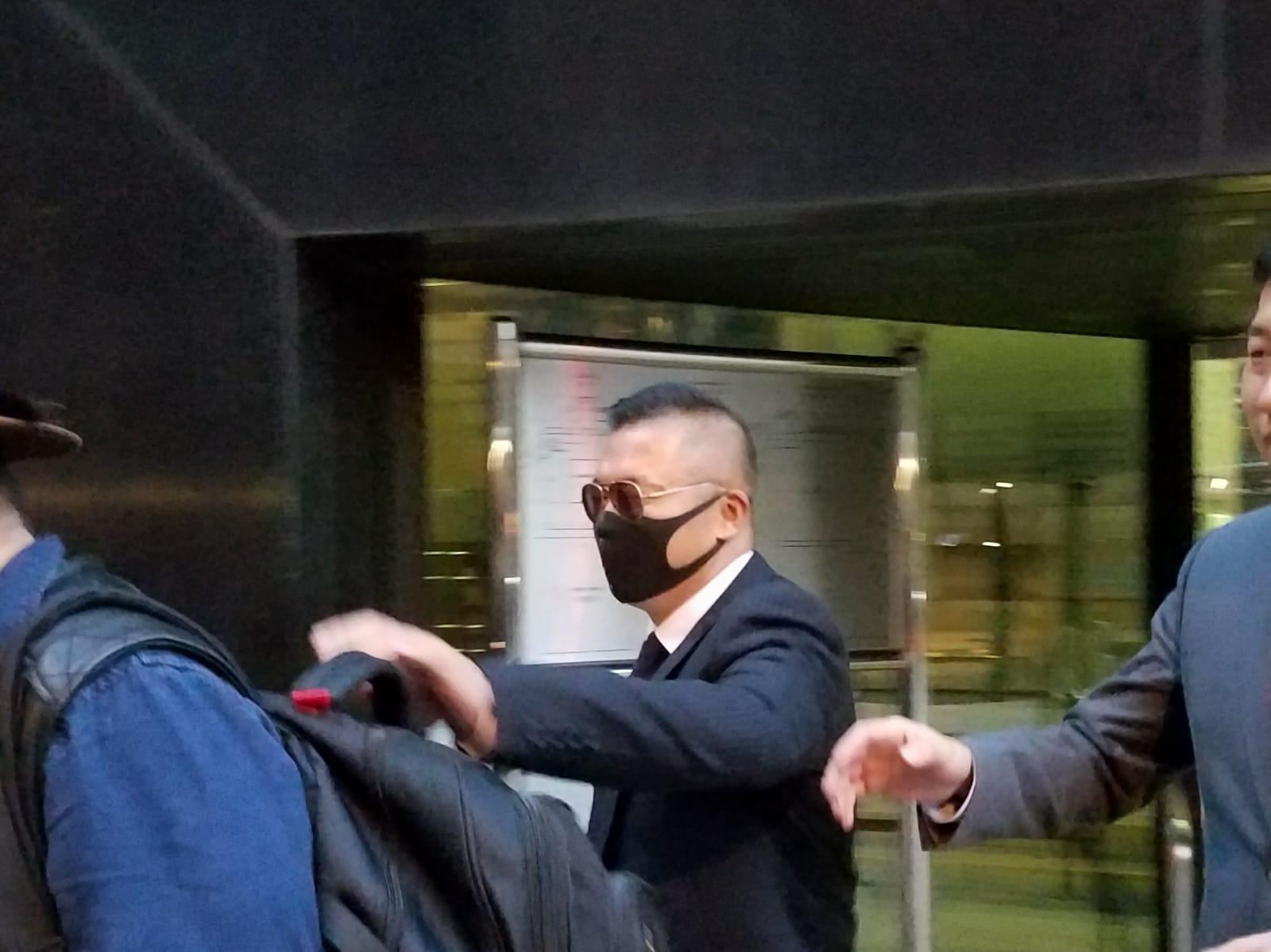 被告男警何蔚貽。法庭記者攝
