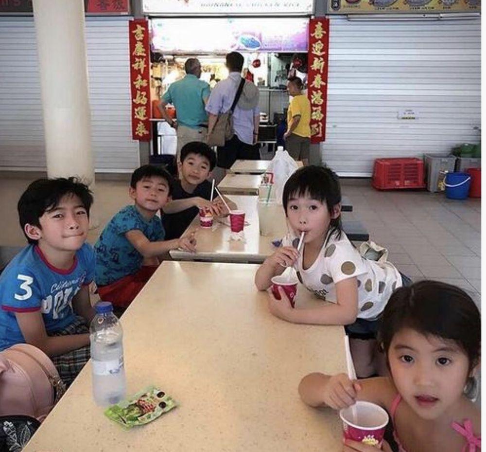 今年初栢芝帶兒子在新加坡過年。
