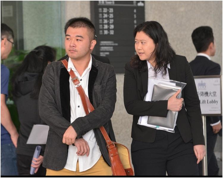 左為戲劇導師胡俊謙。