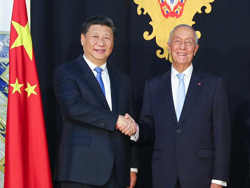 習近平抵葡萄牙進行國事訪問,與葡萄牙總統德索薩舉行會談。(新華社)