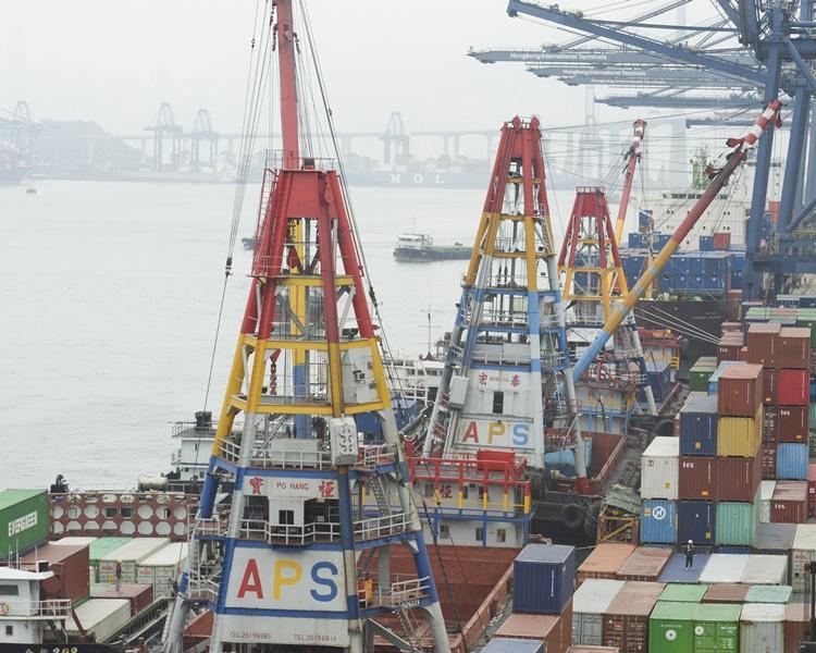 中美貿易戰影響下,本港物流出口業受創。資料圖片