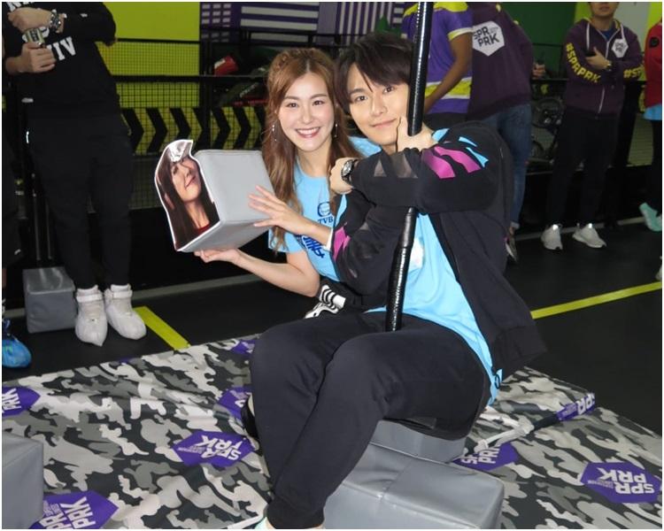 胡鴻鈞爆劉佩玥玩遊戲好「狼死」。