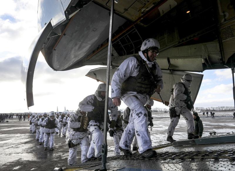 烏克蘭加派空中突擊部隊到俄羅斯邊境加強邊防。AP