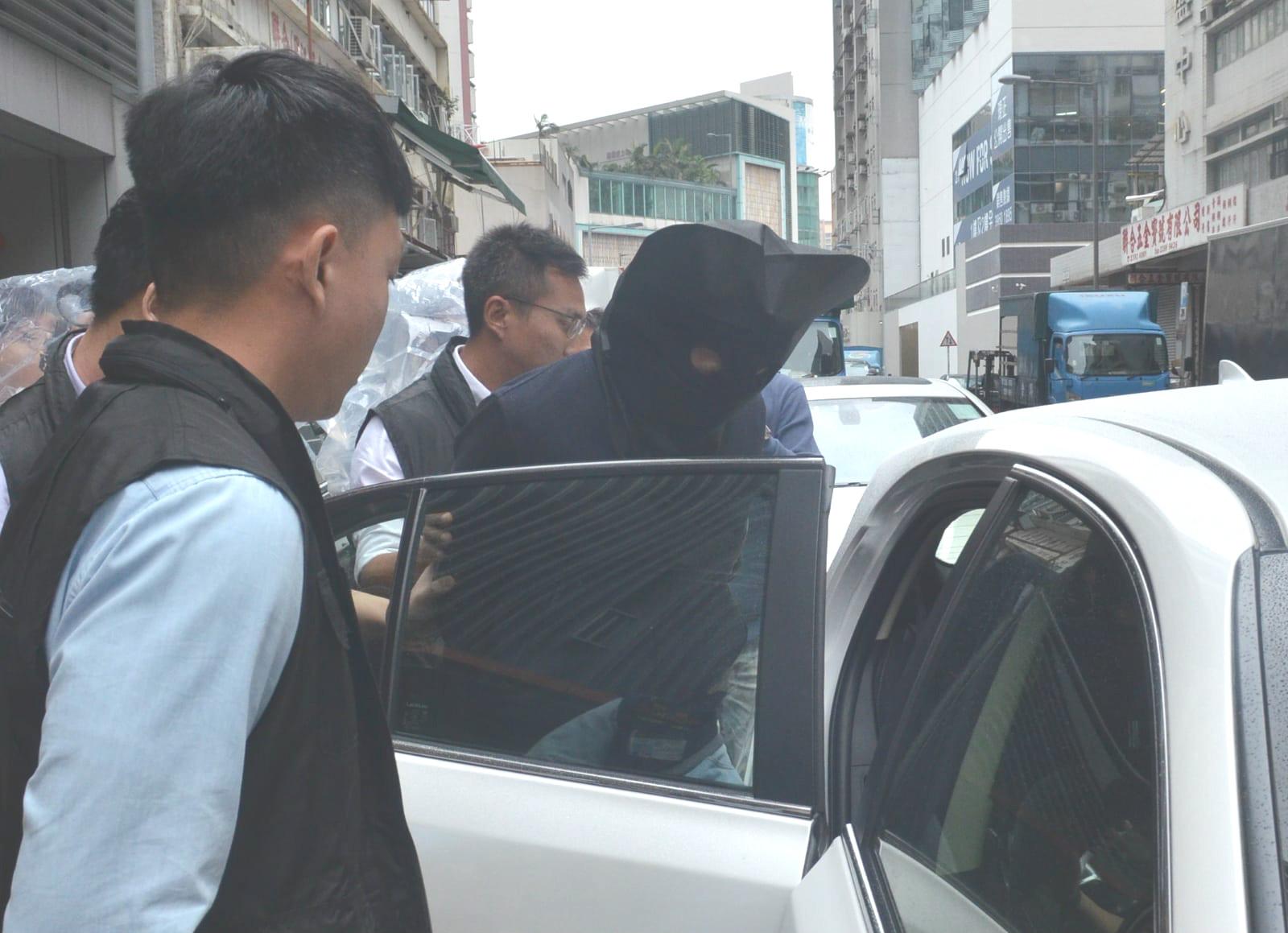 警方拘捕5名男子涉嫌刑事毀壞及洗黑錢