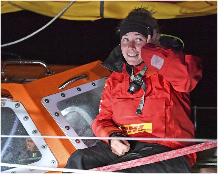 古多尔是金球帆船赛最年轻也是唯一的女参赛者。