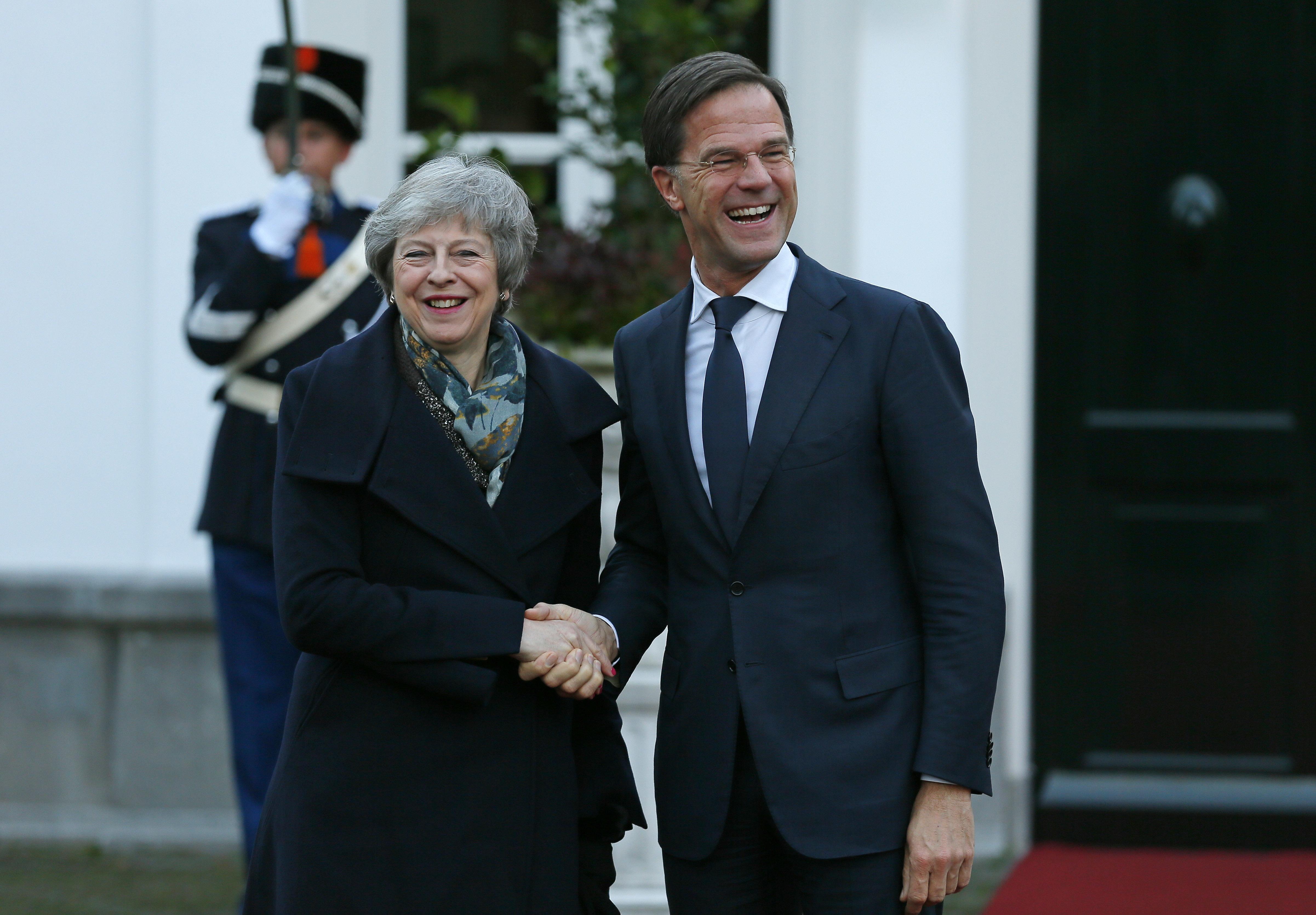 英国首相文翠珊与荷兰首相吕特进行会谈。