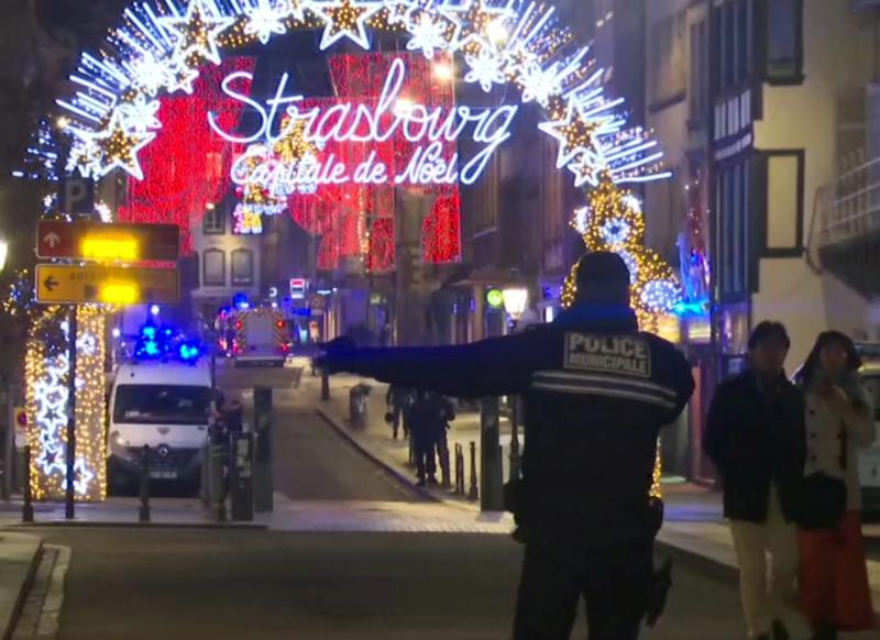 当地警局在声明中指出,枪手有犯罪背景,被法国国内安全部门列为可疑的危险人物。