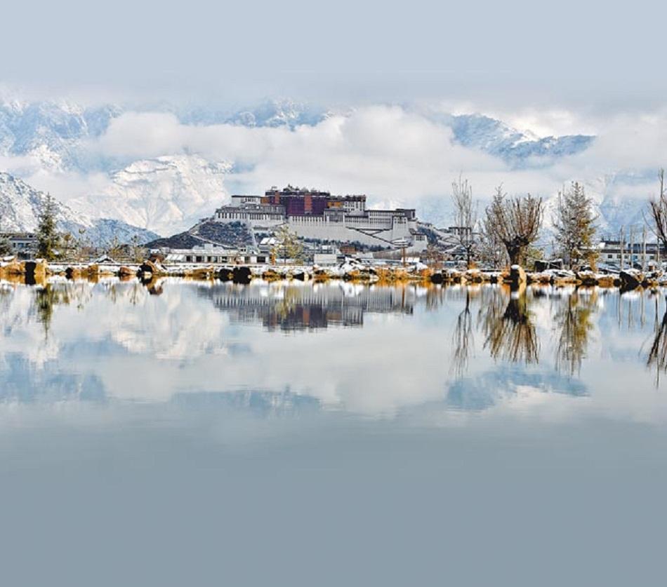 西藏拉萨布达拉宫。新华社