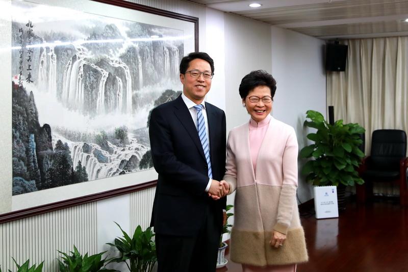 林鄭月娥今日與港澳辦主任張曉明會面。