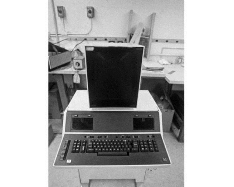 她发明人类史上第一部电脑化的文字处理器「资料秘书」(Data Secretary)。computer history museum官网