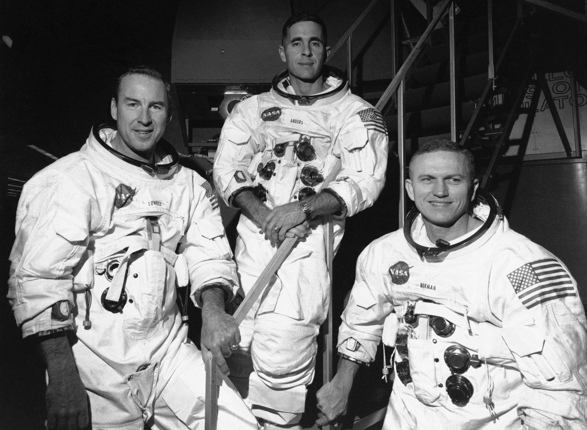 3名太空人,在全球直播中发射升空。AP