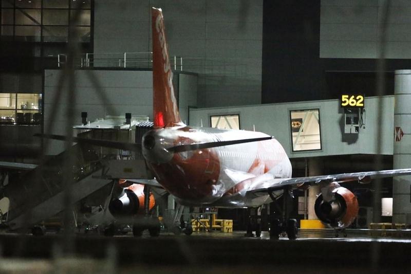 两无人驾驶飞机闯London盖威克飞机场 全体航班暂停起降