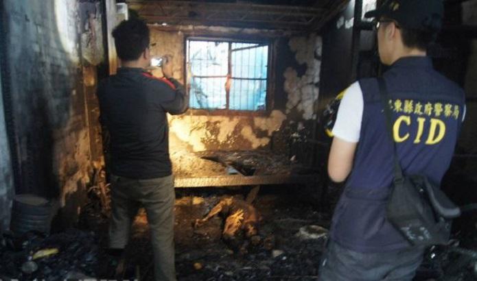 火警救熄后,警方封锁现场并进行搜证。
