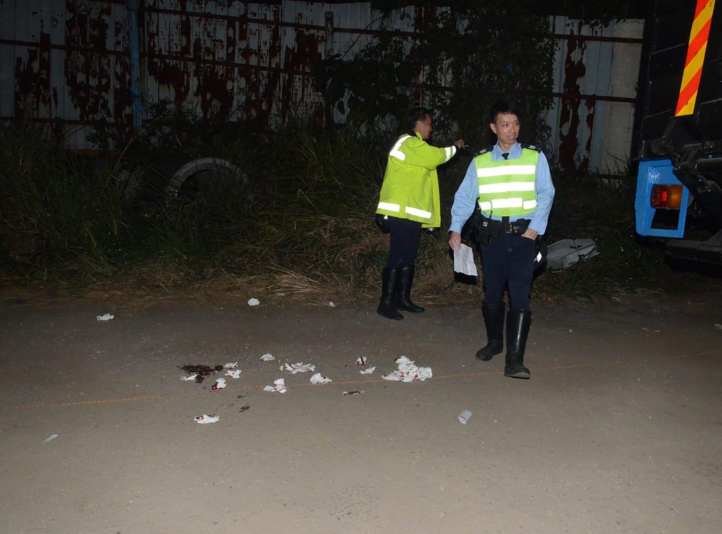 警方調查事件。