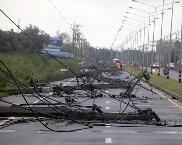 电缆被吹毁。