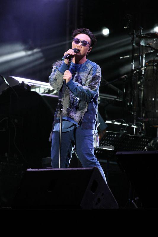 陳奕迅有意年底跨年開演唱會,與華仔爭期。