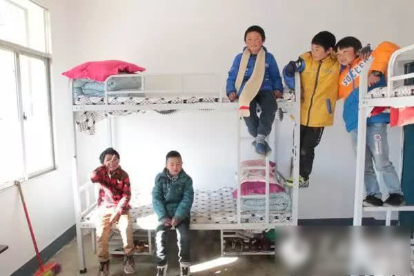王福满的学校建了新宿舍。网图