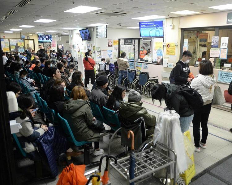 公院急症室周末有近6000人求診。資料圖片
