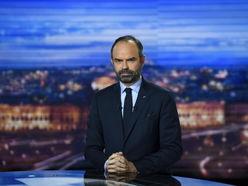 菲利普在电视节目中,表示正草拟针对示威的新法例。