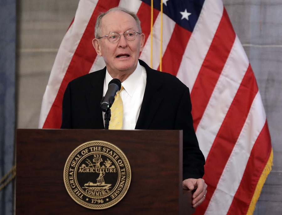 田纳西州州长哈斯拉姆(Bill Haslam)特赦。图片