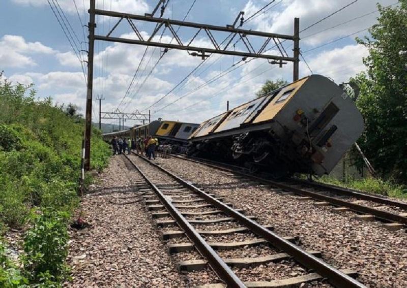 南非火車事故。網上圖片