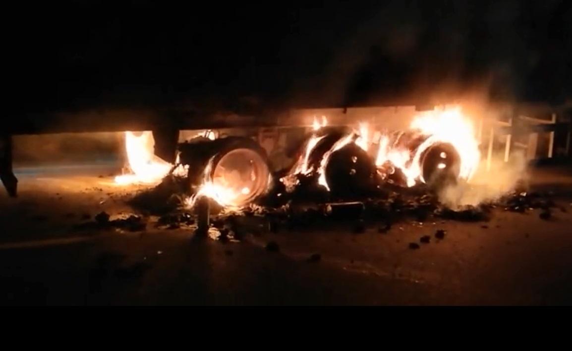 记者採访完才知道烧毁的生蚝是自家货物。网上图片